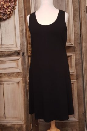 Elswhere Sleeveless dress ( zwart en Mold =zacht groen)