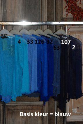 Normal Crazy :Ikat vestjes, basis kleur blauw ( totaal 43 stuks rood en groen/geel)