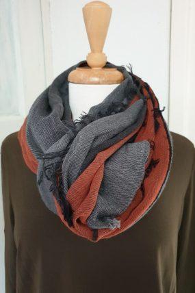 Oska shawl Oranka 914 ( 2 kleuren)